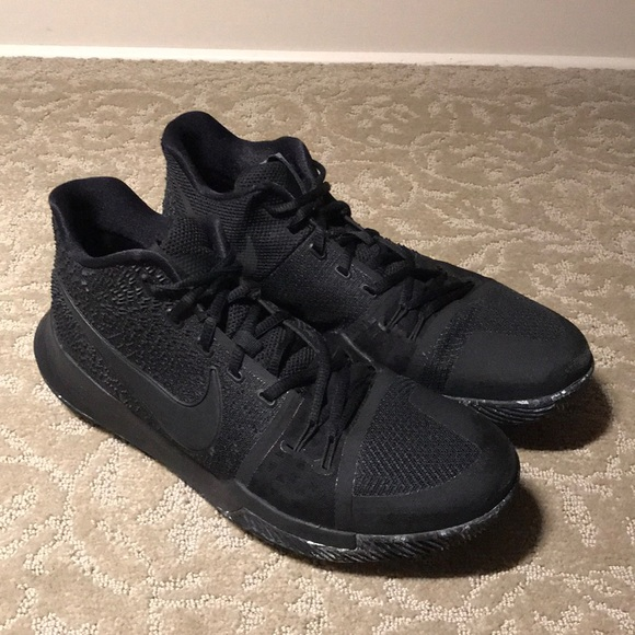 "best service 044de c8cbb Kyrie 3 ""Triple Black"""